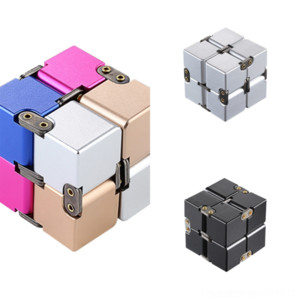 9xllp Classic Gaming Rubik Metal's Puzzle Game Cube in lega di alluminio Infinito Cube Colori Design Novità Magic Cubes Rubik Toys Gear Rubik's