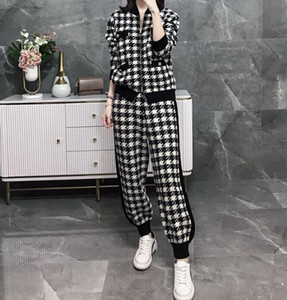 Autumn and winter new Hepburn style black and white knitted women's suit fashion sweater harem pants net red 2-piece set