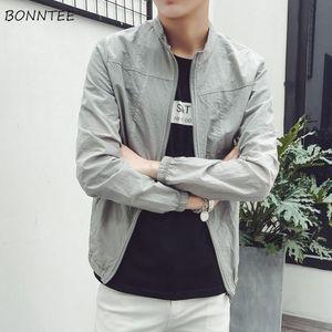 Куртки мужчины сплошной с длинным рукавом плюс размер высокого качества мужской солнцезащитный крем молнию простые тонкие мужчины мода одежда повседневная шикарная куртка
