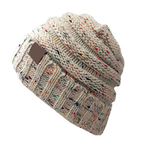 Unisex Autumn Winter New Woolen Hat With Label Knitted Women Warm Cap Casual Outdoor Fashion Hats 15 COLOR