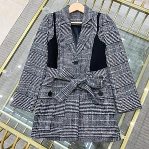 2020 new ladies high-quality fashion long-sleeved lapel fake two-piece waist plaid autumn and winter woolen blazer 1204