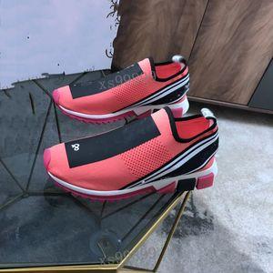 Dolce Gabbana sneakers 2021 شعبية أحدث مصمم للجنسين المرأة الرجال أحذية عارضة شبكة الأحذية الأصفر المرأة الأزرق الرجال الجوارب الأحذية
