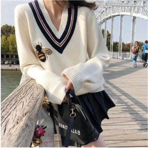 2021 new Luxury Designer Women BEE Embroidery Knitted V-neck Pullover Sweater Jumpers free shipping
