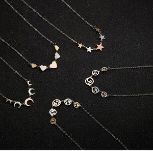 Fashion New Three-color Round Hollow World Map Short Necklace Necklace Wild Love Clavicle Chain
