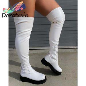 Doratasia Büyük Boy 43 Kadın Çizmeler Platformu Diz Üzerinde Siyah Çizmeler Kadın Moda Eğlence Serin Marka Tıknaz Ayakkabı Kadın