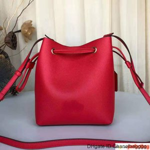 High Quality Designer Women Classic Lady Solid Color Crossbody Bags Drawstring Hand Shoulder Bag Travel Holiday Bucket Bags 3