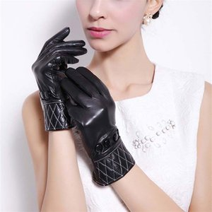 Wholesale-European and American style diamond shaped decorative fashion sheepskin gloves women in winter to keep warm leather gloves