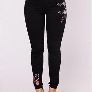 Donne Stampa floreale Jeans neri Sexy Slim Fashion Denim Lunghi Pants Jeans Donne vestiti Streewear Skinny Jeans Spedizione gratuita
