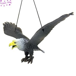 NOUVEAU Style 1PC Pratique LifeLike Flying Bird Bird Hawk Decoy Contrôler la pelouse Jardin Ferme Ferme Ferme en plein air Plant Plante épouvantail Y200106