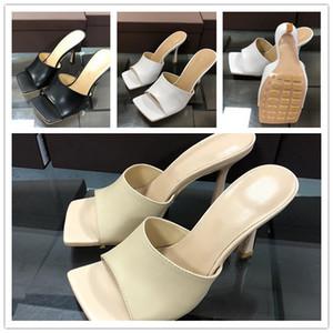 2020 New Square Toe High Heavick Chinelos Mulheres Rhombus Genuine Leather Runway Sapatos Mulher Sexy Party Shoes Tamanho 35-42 com caixa