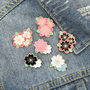 20pcs Lot Cartoon Cherry Blossom Oil Drop Pins Enamel Pink Floral Sakura Brooches For Unisex Backpack Collar Badge Accessories Wholesale