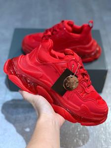 Luxurys Дизайнеры Обувь Triple S Red Book Chaussures D'Extérieur Женщины Дизайнеры Обувь с четким Стиль 31 женские тренажеры