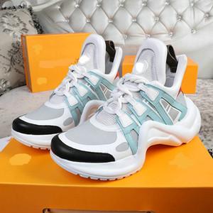 2020 Designer Marca Ace Sneaker Womenmen Designer Casual Sapatos de Moda Preto Gold Walking Sports Lover Shoes 35-42