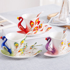 Creative 3D Hand Crafted Porcelain Enamel Peacock Coffee Cup Set with Saucer And Spoon Present Ceramic Tea Water Cup Dish Gift Y1124