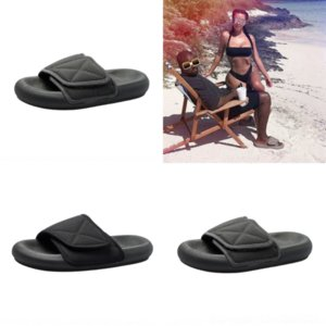 MHr9 Kan Ye's same designer coconut slippers for women's summer wear 2020 new couple's personalized magic stick thick bottom Sandals luxury