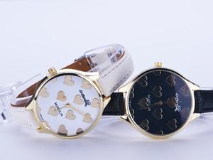 100pcsNew Fashion Leather Strap Women Geneva Watch Hot Casual Love Heart Quartz Watch Reloj Mujer Relogio Feminino