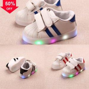 Las Glowing Sneaker Shoe Bambini Light Flash Fibra LED Fibra ottica con Up LED Luci Le Luci Ruote Scarpe Delle Donne Roller Led Shoes Shoes Bambino Sport Boy