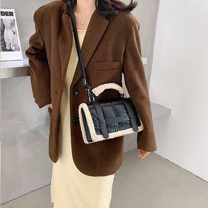 Bag2019 New Womens Bag Fashion Shoulder Crossbody Bag European and American Hot Selling PU Handbag Womens Bag Handbag