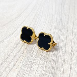 Fashion Four Leaf Clover Stud Pendientes Oro Negro Titanio Acero inoxidable Pendientes de Stud para mujer Joyería con caja con sello envío gratis