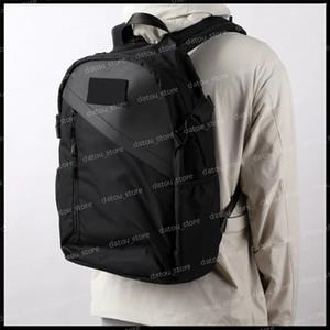 Montez le sac à dos de Sac à dos Luxurys Designers Sacs à dos Sacs à bandoulière à la mode Sacs à main en plein air Sacs à dos pour Mens Sac à dos Voyage Sac à bagages Sacs scolaires