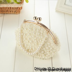 High Quality 2020 2019 new manual pearl mini messenger bag shoulder chain packet mobile bridesmaid dresses ladies carry bags