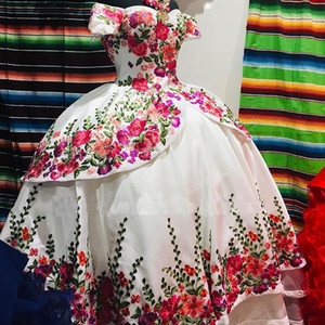 2020 Puffy Embroidery Quinceanera Dress Off the Shoulder Sweet 15 Dress Long Mexican Prom Party Gowns
