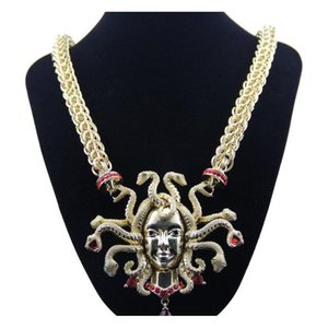 Retro Nine Snake Head Necklace Female clavícula Cadena de oro Exageración Gran tamaño CH WMTVSA DH_SELLER2010