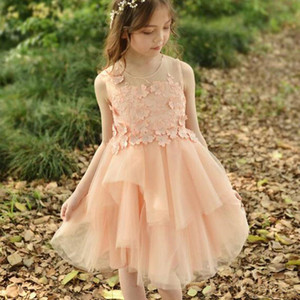2021 HOT Vintage Lace Flower Girl Dresses for Bohemia with Short Sleeve Sash Floor Length Kids First Holy Communion