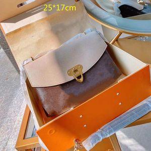2021 женская цепь сумки рис белые кошельки сумки дизайнеры поперечины сумки классические цветы конверт сумка коровьего письма L21020401