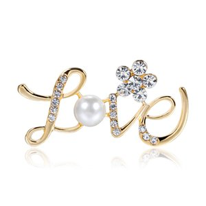 Full Rhinestone Jewelry Flower LOVE Letter Shape Brooch Crystal-encrusted Pearl Brooch Pin Jewelry Coat Clothes Accessories