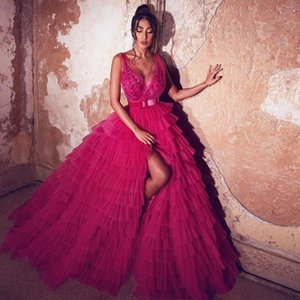2021 New Tiered Tulle A-Line Prom Dresses Sexy Deep V Neck Side Split Appliqued Evening Dress Sweep Train Arabic Formal Party Gowns