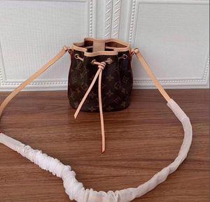 Mini de alta calidad Mini cuero genuino Nano Noe New Women Moda Muestra bolsas de hombro Totes Bolsos Top Handles Messenger Bags M41346