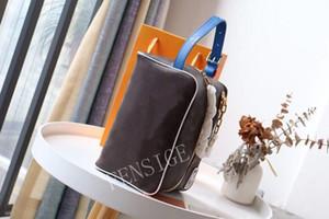Designer Maquiagem Bag Mens Mulheres Womens Bags 2021 Nova Moda Embreagem Saco Carta e Flor Impresso Bolsa M85149