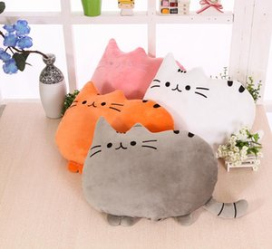 Cartoon cat pillow Watching TV to work, students generally use cute pillows The chubby cat backs its pillow