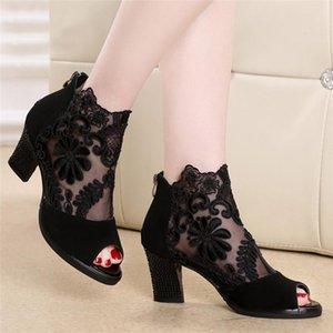 Женские сандалии квадратный высокий каблук летняя обувь женщина сексуальная цветочная кружева пустые Peep Toe гладиатор сандалии плюс размер 35-43