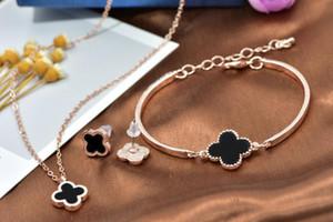 18k rose plaqué or quatre feuilles collier boucles d'oreilles bracelet pour femmes mariages bijoux ensemble bijoux de mariée bijoux de luxe noble accessoire 3pcs / set