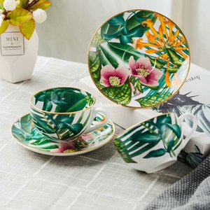 Luxurious golden-rimmed Bone china coffee cups and saucers Porcelain tea sets Ceramic coffee set Festival gift