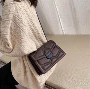 Designer Vintage Leather Small Shoulder Messenger Bags for Women Luxury Chain Rivet Lock Crossbody Bag Lady Travel Hand Bags Feminina
