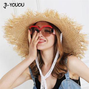 Jiyouou 레이스 스트랩 밀 짚 모자 활 와이드 잔디 여성 여름 모자 비치 바이저 야외 휴가 해변 태양 보호 모자 접을 수있는 Y200103