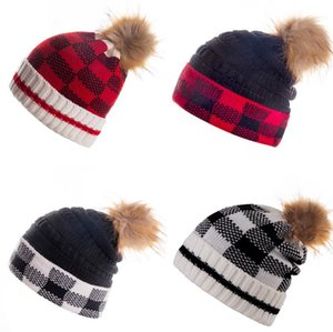 Free Shipping New Winter Pom Beanie Warm Hat Designer Knitted Plaid Tab Hats Hot-Selling Fashion Beanies DB282