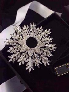 Moda Marka Kar Tanesi Elmas Tasarımcı Pin Broşlar Lady Kadınlar Için Parti Düğün Lovers Hediye Nişan Lüks Takı Kutusu Ile Gelin Için