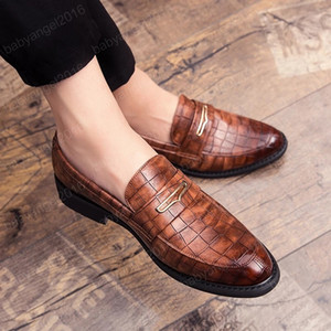 Men Dress Shoes Elegant Formal Leather Shoes Men Fashion Office Shoes Men Oxford Shoe Flat Brown Black Red