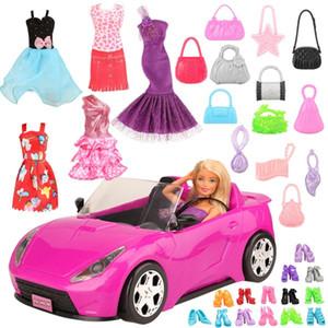 Handmade 26 Artikel / Set Puppe Zubehör = 1 Spielzeugauto +5 Puppen Kleidung + Kinder Spielzeug für Mädchen 10 Zufällige Schuhe Objekte für Barbie Spiel C1204