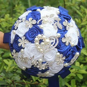 Royal Blue White Rose Artificial Fowers Wedding Bouquet Hand Holding Flowers Diamond Brooch Pearl Crystal Bridal Bouquets W125-3 Z1120