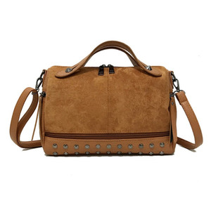 2021 Top Fashion Large Capacity Leather Female Shoulder Bag Women Top-handle With Rivets Retro Motorcycle Tote Handbag