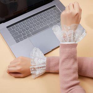 Пять пальцев перчатки LINBAYWAY 2021 кружева поддельных вспышек рукава плиссированные манжеты для женщин блузка оборманы наручные теплые белые съемные