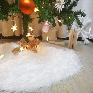 1Pcs 2021 New Year's Skirt Under The Christmas Tree Skirt White Carpet Christmas Decorations for Home Xmas Carpet Under Tree Hot Z1128