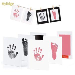 Sicheres ungiftiges Baby Fußabdrücke Handabdruck Kein Berührungshaut Tintenlose Ink Pads Kits für 0-6 Monate Neugeborene Haustier Hund Pfote Drucke Souvenir