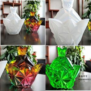 DIY Epoxy Resina Silicone Molds Pirâmide Quatro Lados Seção Caixa De Armazenamento Molde Ornamentos Base Ambiental Tampa Transparente Venda Quente Transparente Jornal M2
