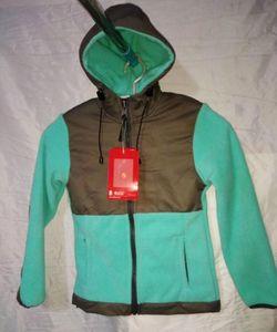 2021 Femmes Hommes Kids Apex Fleece Sweats à Hoodies Camping Eductionnelle Ski Ski Chaud SportsOutdoor Casual Casual Softshell Sportswear Vêtements d'extérieur